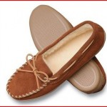 Minnetonka Men's Hardsole Pile-Lined Slipper